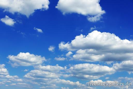 Blauer Himmel und weiße Wolken - gratis Foto zum Download