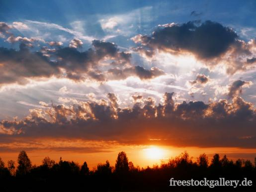 Sonnenaufgang und Wolken - kostenlose Bilder | freestockgallery